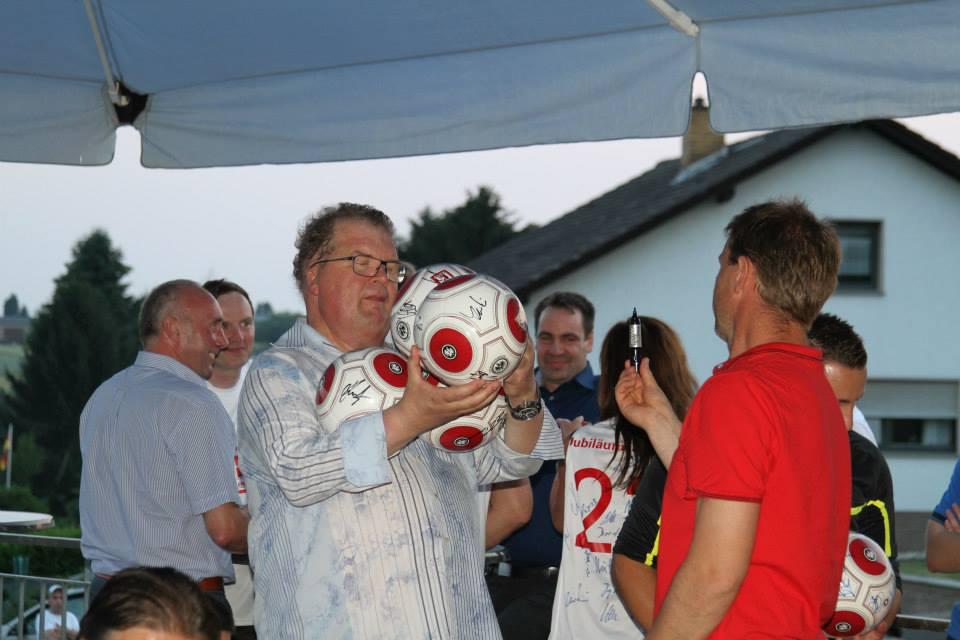Eintracht_Frankfurt_Traditionself_1