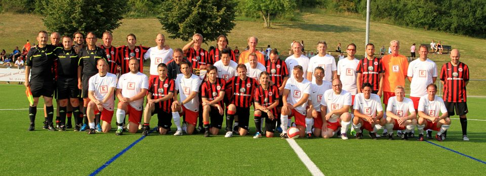 Eintracht_Frankfurt_Traditionself_24