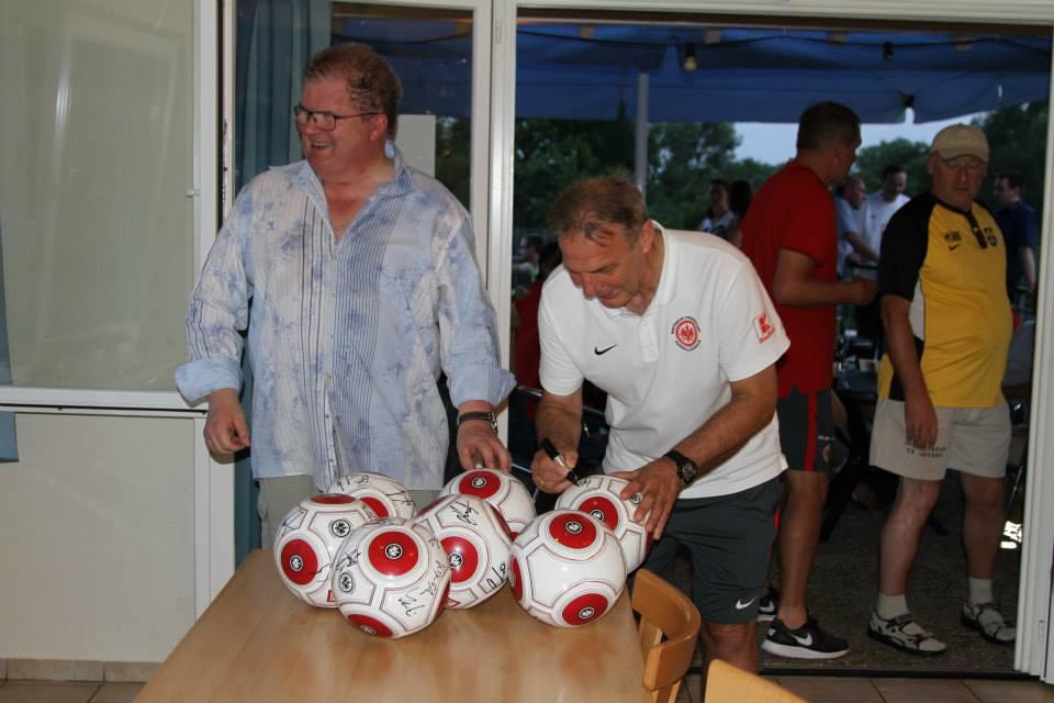 Eintracht_Frankfurt_Traditionself_6